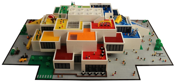 article picture: Udstilling i LEGO House